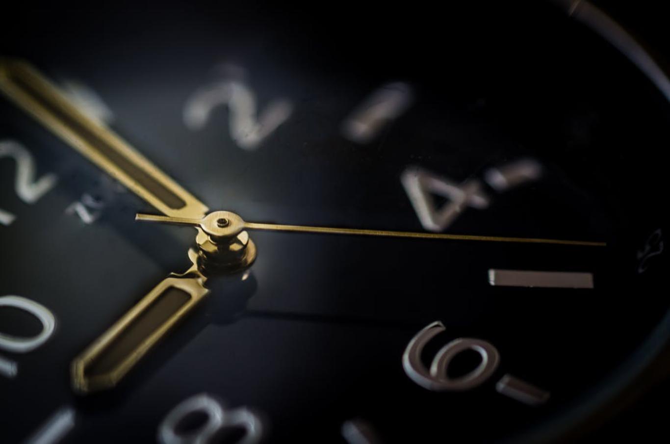 clock up close